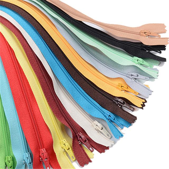20 cm Uzunluğunda Renkli Naylon Fermuarlar