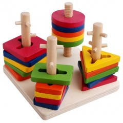 Renkli Ahşap Geometrik Şekilleri Sıralama Oyunu